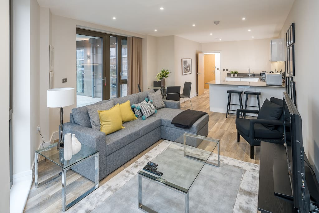 Fantastic spacious light living area with double sofa bed