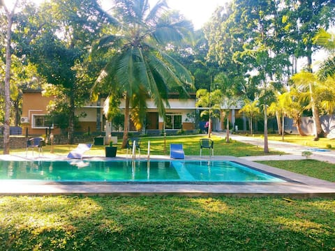 Vila Temple Pond - Vila Inteira
