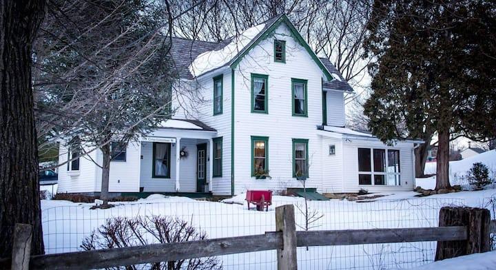 Charming Farmhouse/Homestead