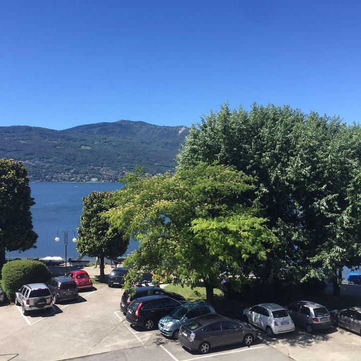 Meraviglioso bilocale fronte lago Verbania 2 piano