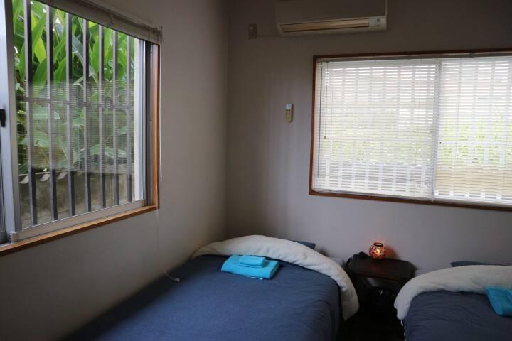 Panorama Room#2. 個室2名様まで。サトウキビ畑の先には絶景のパノラマオーシャンビュー