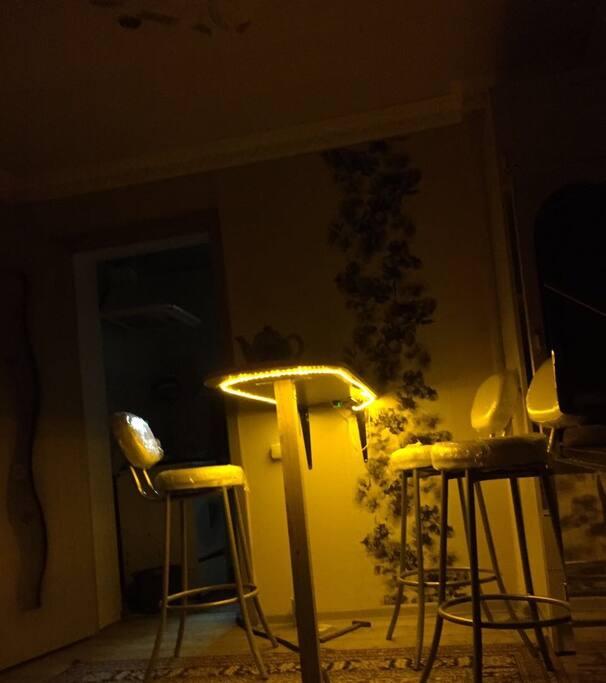 Ночная подсветка барной стойки
