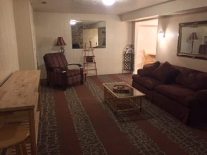 Large one bedroom basement quiet and clean