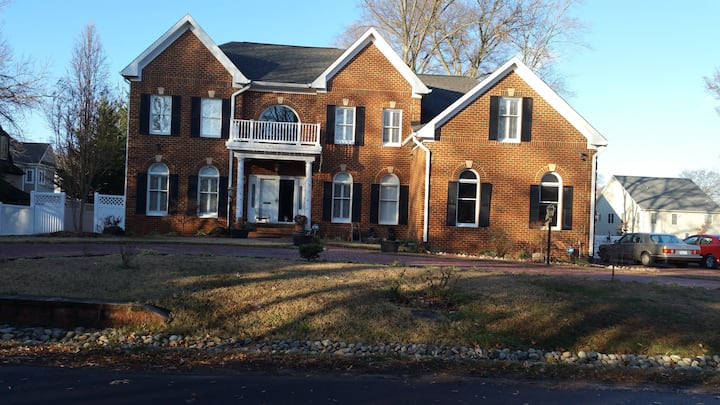 Family Home@Mt. Vernon, Fort Belvoir, Old Town - I