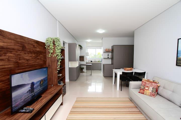 Apartamento Rio Tavares, 2 suites, acesso à praia