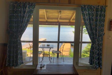 Waterfront Chalet on Beautiful Lake Kipawa