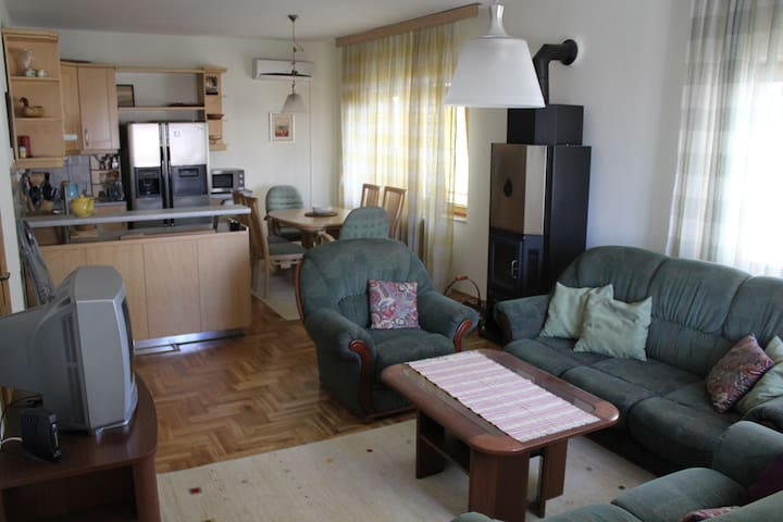 Cozy Apartment Close to the Center - Prishtina - Huis