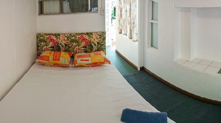 Quiet comfortable room, hot water, A/C, smart TV