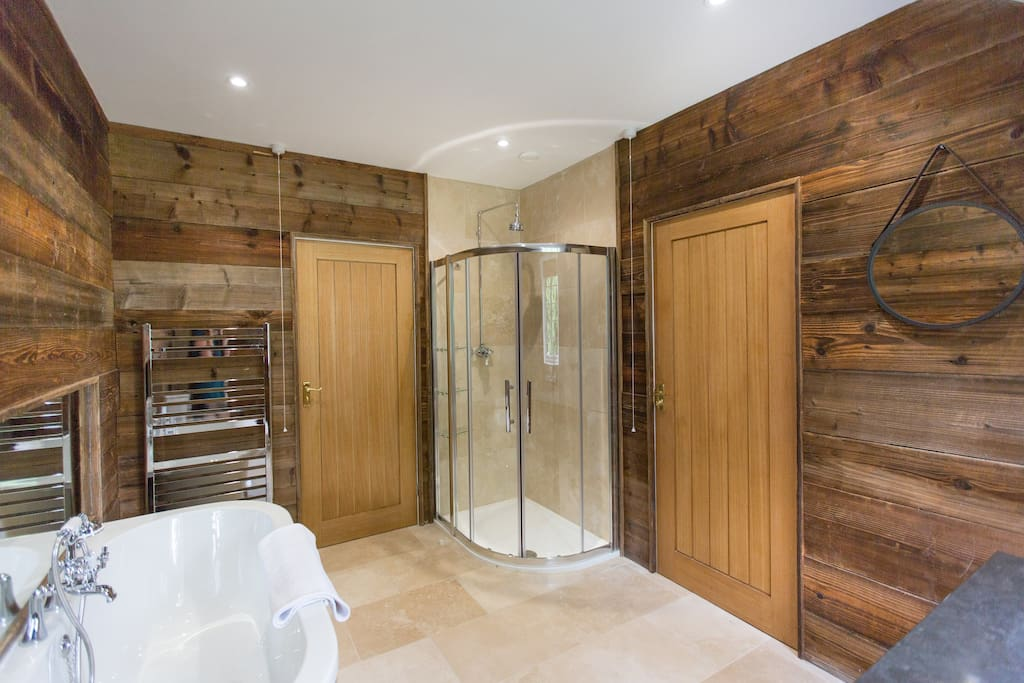 Garden Family Suite Bathroom
