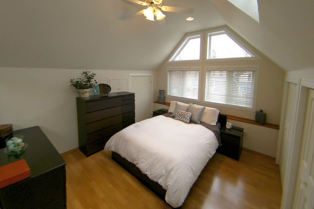 Vaulted Ceiling Loft Style Apt Houses For Rent In