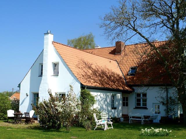 "Naturferien-Ostsee  ""Mondgesicht"" - Warnkenhagen/Kalkhorst - Apartment"