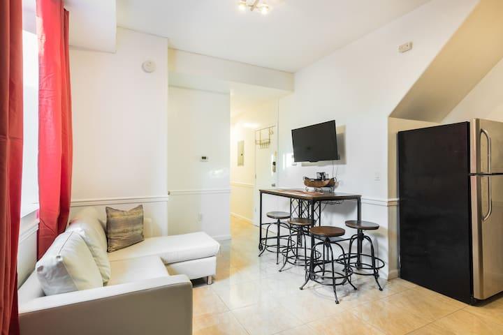Spacious 3 Bedrooms / 2 Bathrooms Apt in Brooklyn
