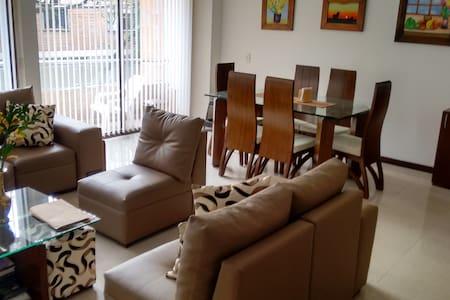 Cozy apartment, well located. - Envigado