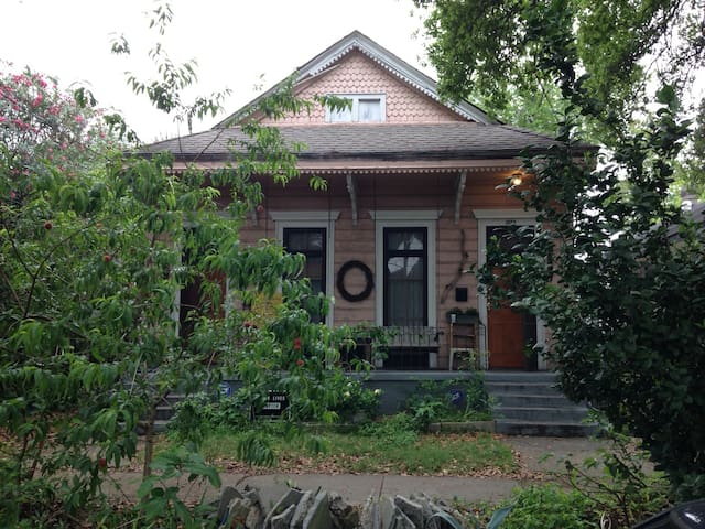 Mid-City Homestead - New Orleans - House