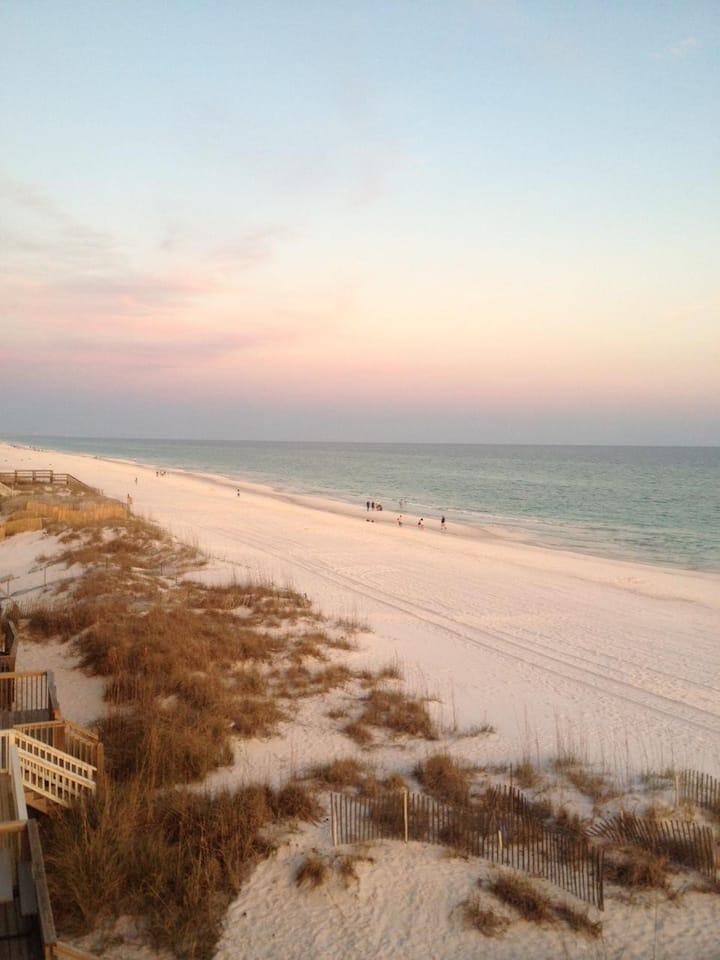 Sticks In The Sand 6A 2 Bdrm, 2.5 Bth On the Ocean
