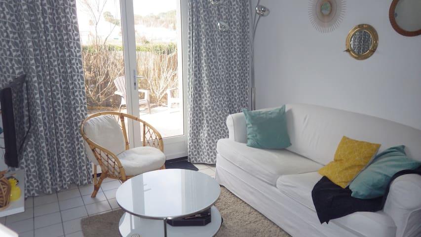 Mini villa à 300m de la mer avec piscine et tennis - Saint-Palais-sur-Mer - House