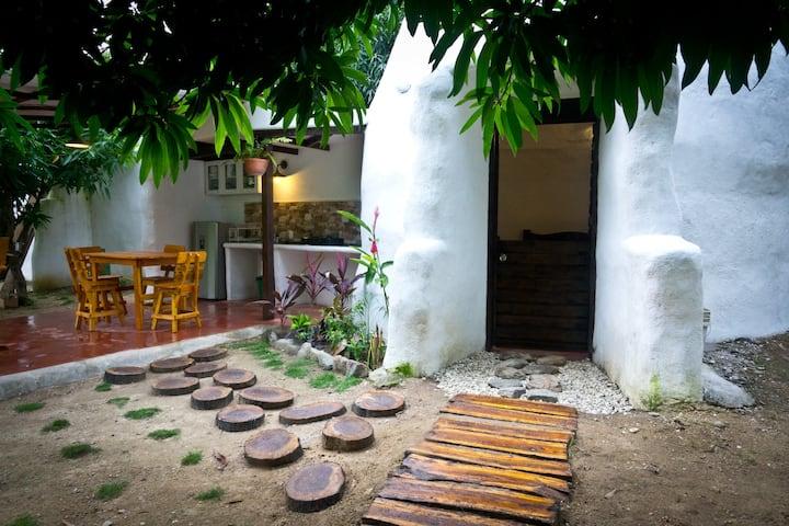 Dome dans la jungle à 7km de Santa Marta et Minca