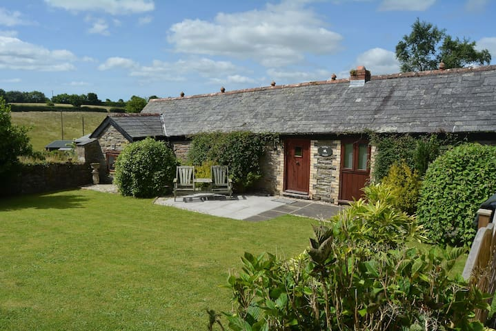 Delightful single storey barn with charming features near Looe