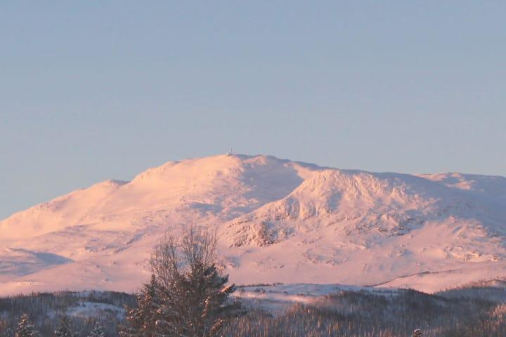 Mitt i Kall med utsikt mot Åreskutan