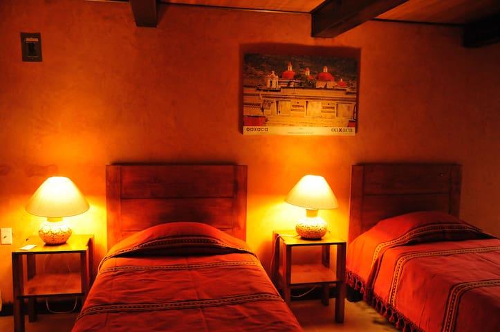 Habitación Parota 7 de 9 en Parador del Crestón - Oaxaca - House