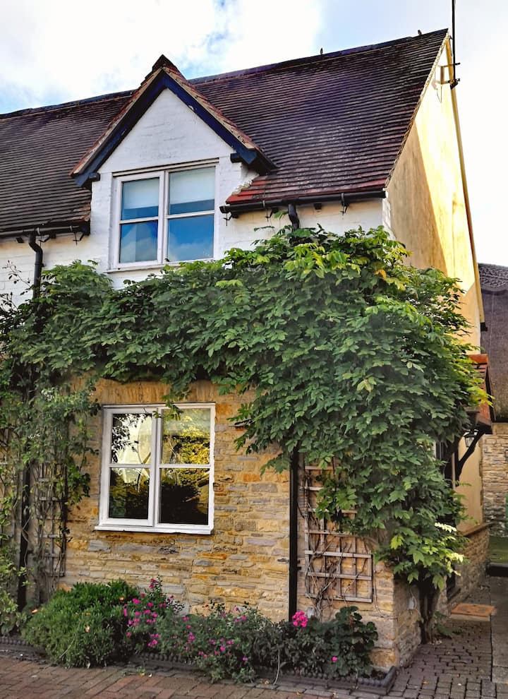 Country Cottage retreat - Sleeps 4
