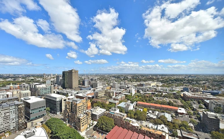 (E)((NEW)) ***City skyline views apartment***