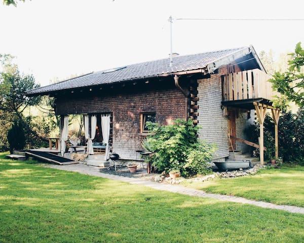 Idyllisches Blockhaus in perfekter Lage