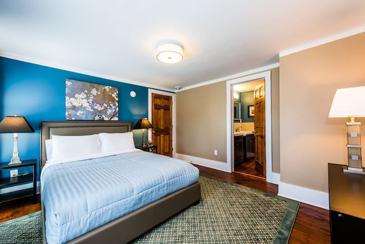 Sycamore Guesthouse, Three Oaks, MI. Room 4 - 2nd Floor: two-room suite that sleeps 1-4 guests and features a queen mattress sets, quality linens, central air-conditioning, WiFi, closet and private ensuite bathroom.