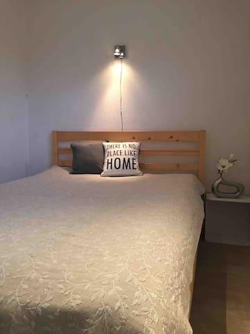 Selvstændig Soveværelse med egen indgang