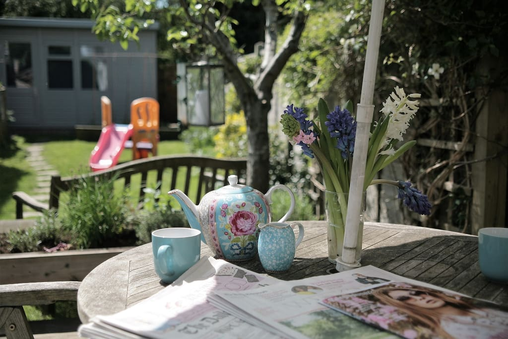 Enjoy eating al fresco whether it's breakfast in the sun or an evening BBQ