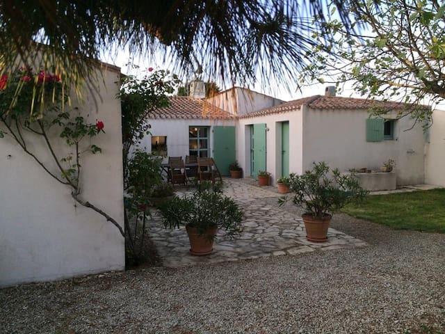 Maison de famille  entre village et plages - Les Portes-en-Ré - 獨棟