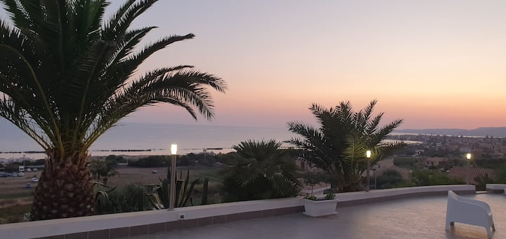 Villa Zina, una terrazza sul mediterraneo.