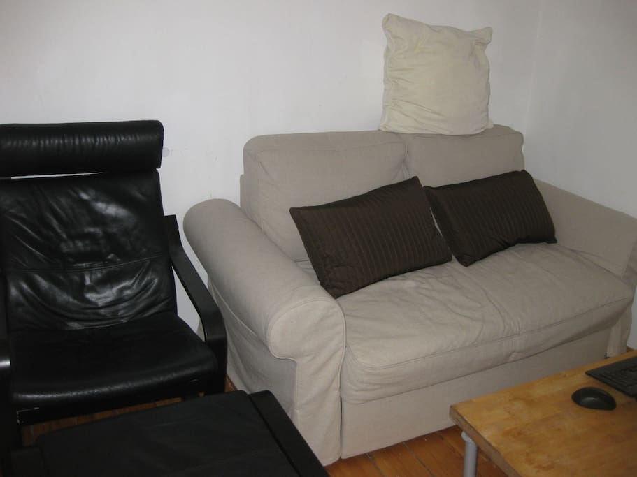 Couch and tv area (2)