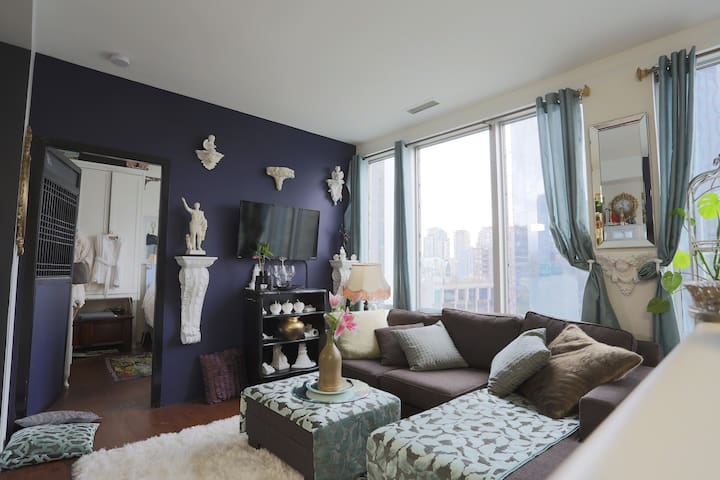 Perfectly Situated  Downtown Eclectic Luxury