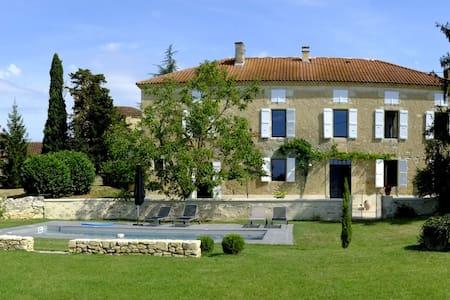 GERS- Biran  Maison de Maître 12/14 pers / Piscine - Biran - House