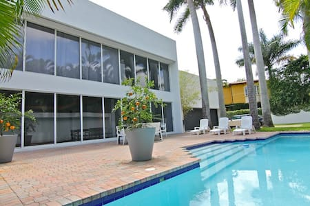 Luxurious Safe Haven In Prime Miami