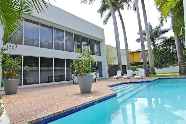 Luxurious Safe Haven In Prime Miami