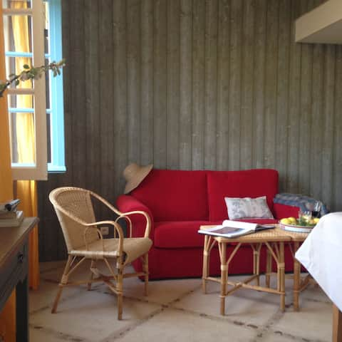Aix Island, Fisherman's house 3 minutes from the beaches (5p)