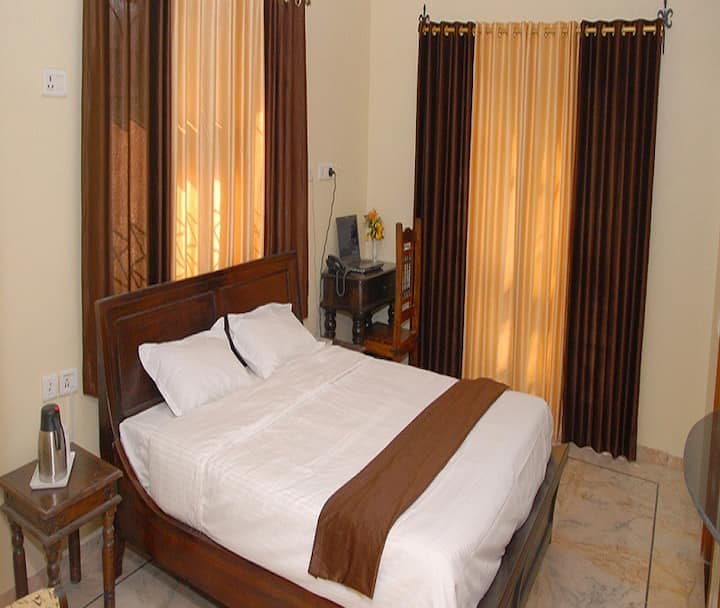 Classic Deluxe Room at Luxury Home Stay Umaid Heritage in Jodhpur