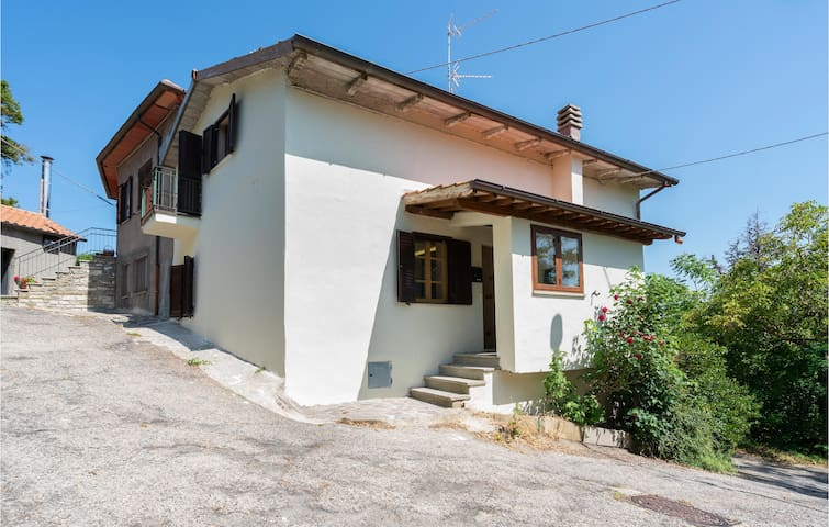 Semi-Detached with 2 bedrooms on 135m² in Pieve Santo Stefano