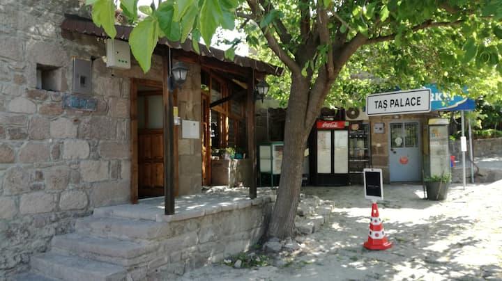 Assos Behramkale'de eşsiz konaklama deneyimi