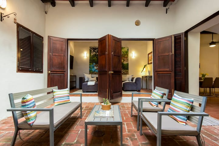 Villa San Justo | Iconic Spanish 3 Bedroom in Old San Juan