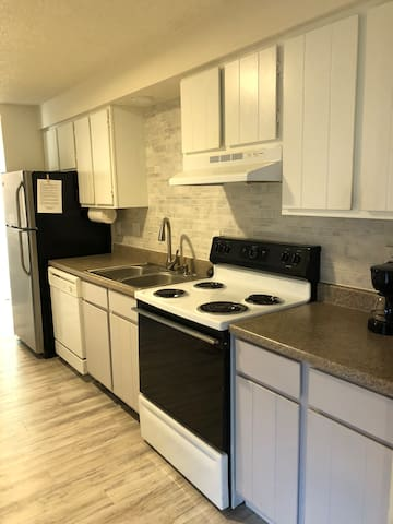Comfortable & Clean 2 Bdrm. Apartment in Denver!