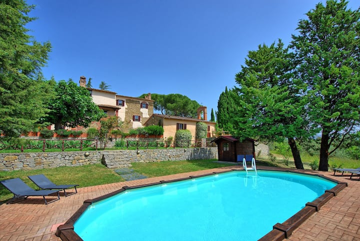 Villa Uccellaia - Country Villa Rental with swimming pool in Umbria