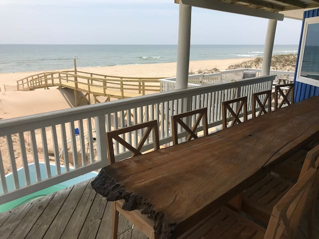 Oceanfront w/Pool & Hot Tub 4b/4b Fall 2020 SALE!