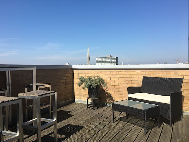 City Centre Penthouse Apartment 2BD - Southampton - Apartamento
