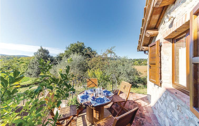Holiday cottage with 2 bedrooms on 80m² in Monteroni d´Arbia SI