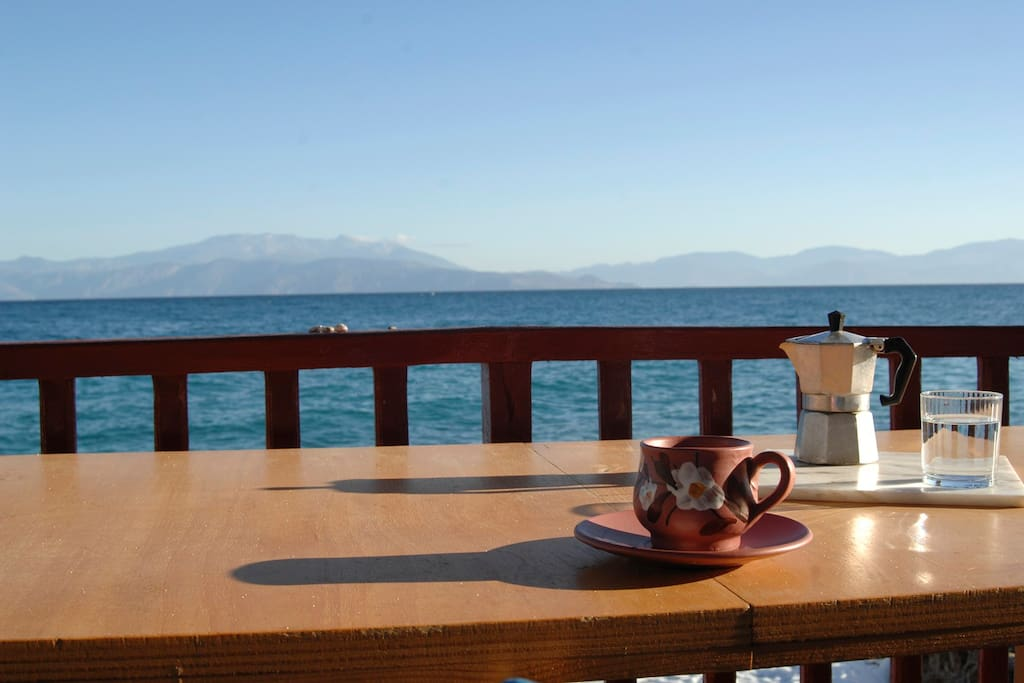 Paradise House right on the Sea!! Exclusive Greek holidays private location.