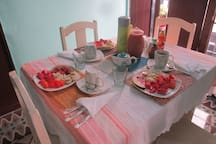 Breakfast at home : Fresh fruit, coffee, juice, bread, eggs and more! $6/US per person per day.