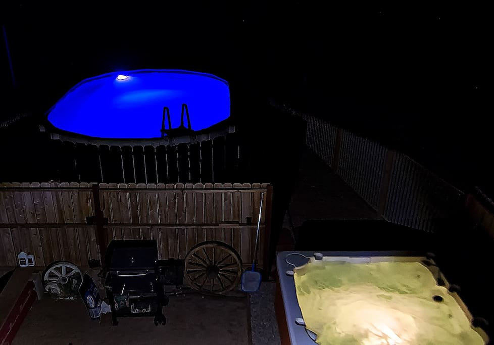 HEATED POOL UNDER THE STARS, with a great view,  Your own, NATIONAL PARK,  with city lights. Nothing but Joshua trees and Yucca and JoshuaTree, city lights